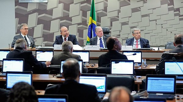 Proposta de simplificação do PIS/Cofins está em fase final de elaboração, diz Padilha